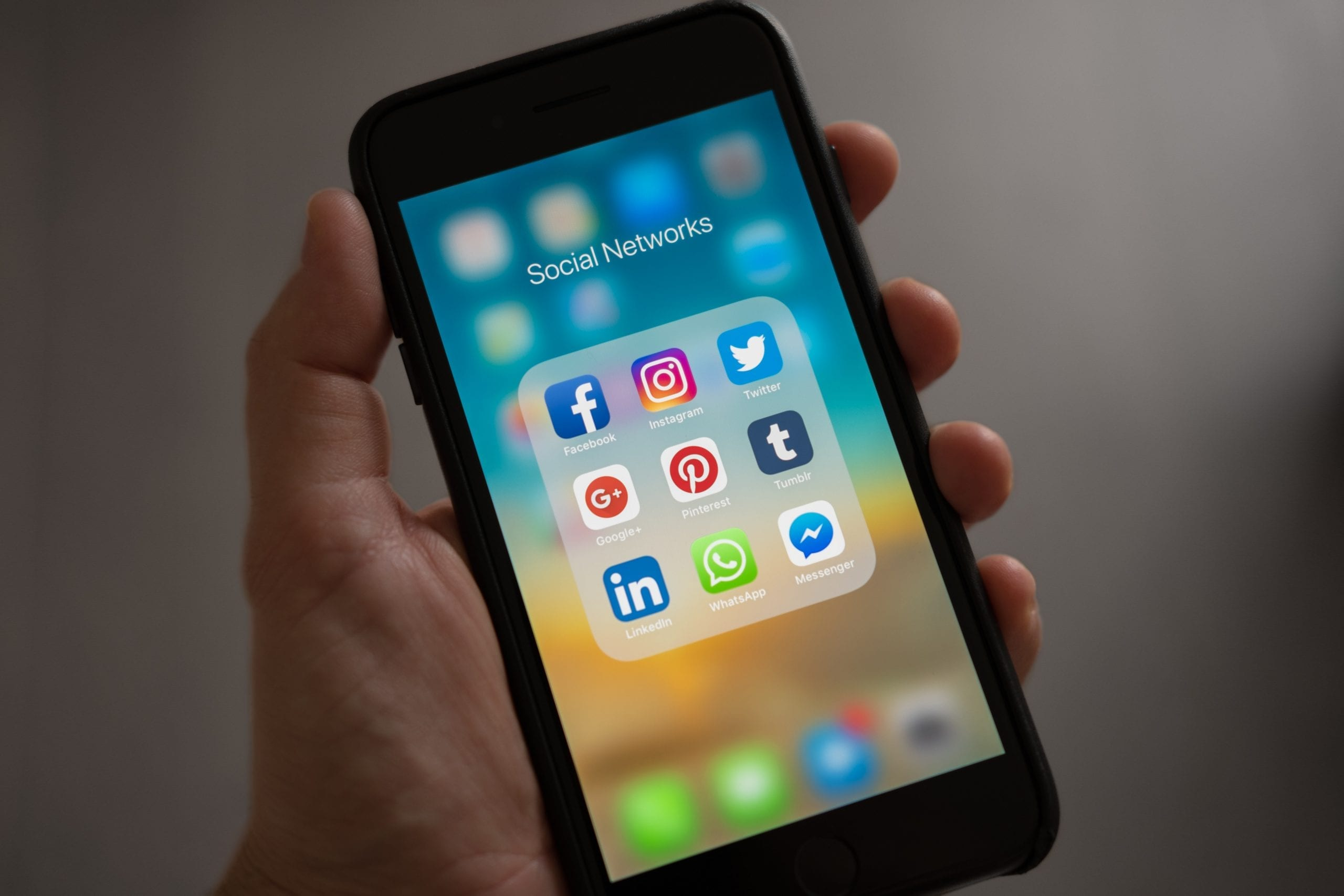 Be sure to save these social media TOP 6 TIPS!